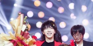 华晨宇夺得《歌手》总决赛歌王,被质疑难听,节目组剧本安排?