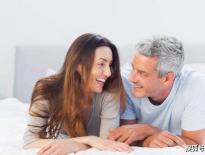 女人过了50岁,到底喜欢多少岁的男人?三个女人说了实话